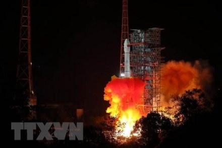 Tên lửa đẩy Trường Chinh 38 mang theo tàu thăm dò Mặt Trăng Hằng Nga 4 rời bệ phóng tại Trung tâm vệ tinh Tây Xương.
