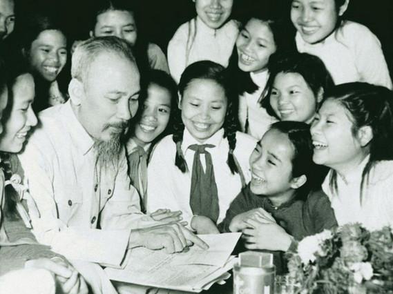 Hình ảnh Bác Hồ vẹn nguyên trong trái tim người trẻ - Hội Nông Dân tỉnh  Ninh Bình